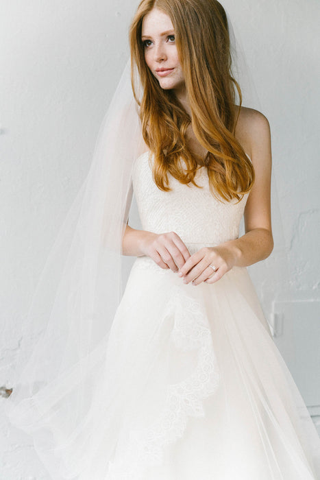 Vintage inspired Chantilly French lace bridal veil | Sara Gabriel