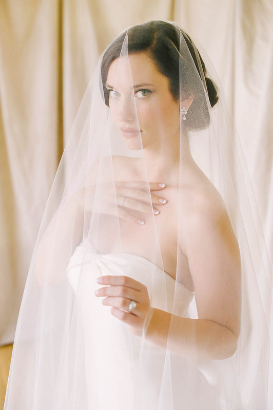 Dramatic blusher full length tulle veil | Sara Gabriel