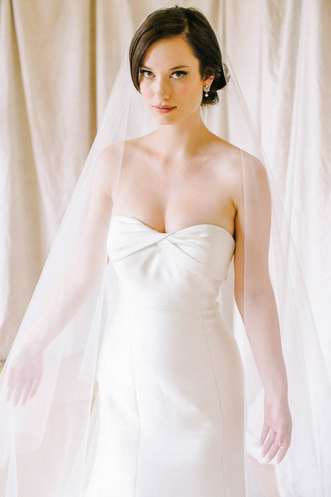 Two layer cut edge wedding veil | Sara Gabriel
