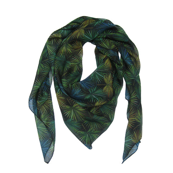 Bia scarf