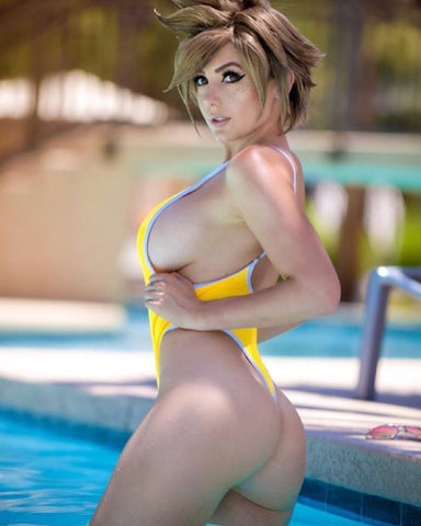 NSIAT: This is not Jessica Nigri nude, but it is Jessica Nigri sideboob.
