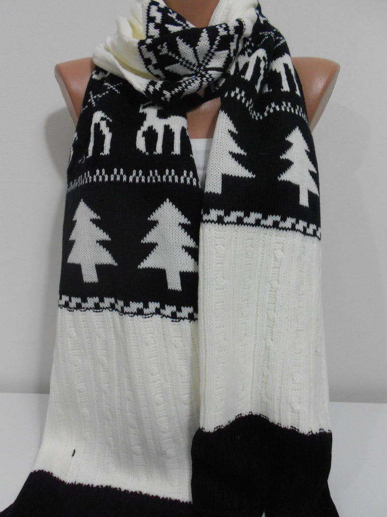 Nordic Deer Scarf  Knit Chunky Black Cream Winter Scarf | SCARFCLUB