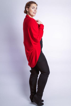 Diane Kroe wanderlust wrap Travel cardigan side view cocoon sweart red prarisienne