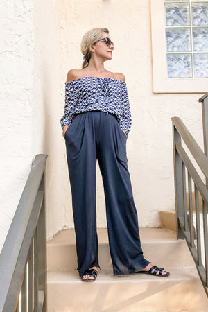Pocket Pants : Wide-leg to Dressy Joggers worn wide-leg style