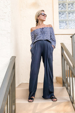 Pocket Pants : Wide-leg to Dressy Joggers worn wide leg style
