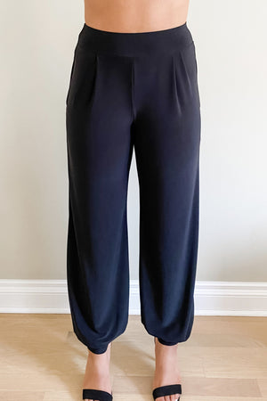 Pocket Pants : Wide-leg to Dressy Joggers front vire worn jappger style