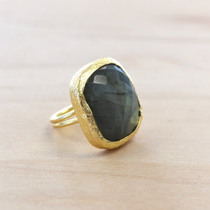 The Kaylee - Labradorite Ring