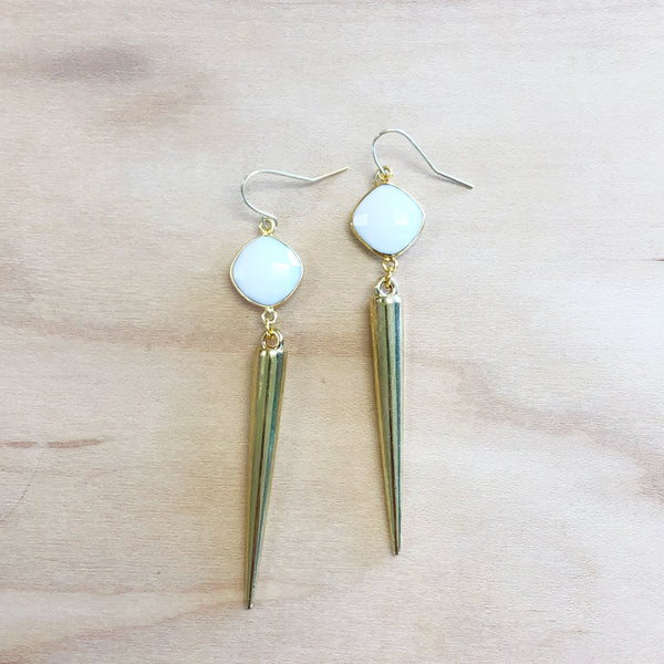 The Allison - White howlite   + spike earrings.