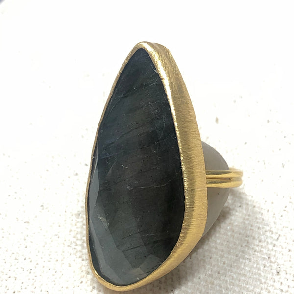 The Joy - Labradorite Ring