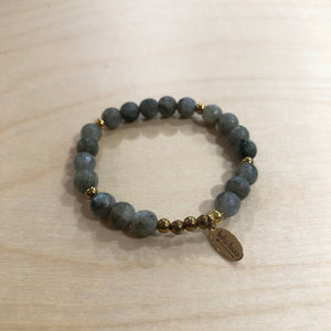 The Samantha  - labradorite bracelet