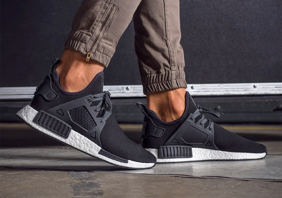 How To Lace Your Sneakers / Swap Your Shoe Laces : ADIDAS NMD XR1 Black Friday