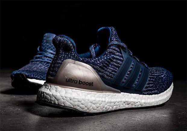 How To Lace Your Sneakers / Swap Your Shoe Laces : ADIDAS Ultra Boost 3.0 Blue and Silver
