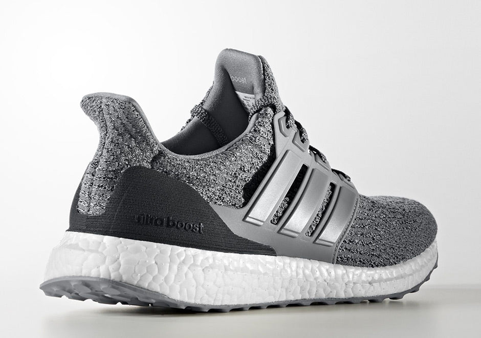 How To Lace Your Sneakers / Swap Your Shoe Laces : ADIDAS Ultra Boost 3.0 Grey Three