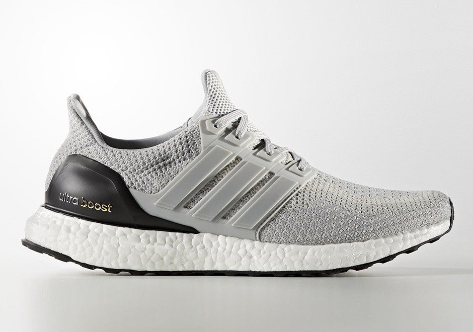 detailed look b4abb 5d7ec How To Lace Your Sneakers   Swap Your Shoe Laces   ADIDAS Ultra Boost Light  Onix