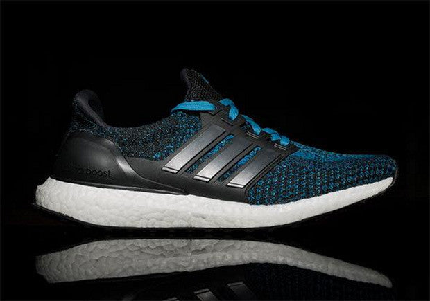 How To Lace Your Sneakers / Swap Your Shoe Laces : ADIDAS Ultra Boost Racer Blue