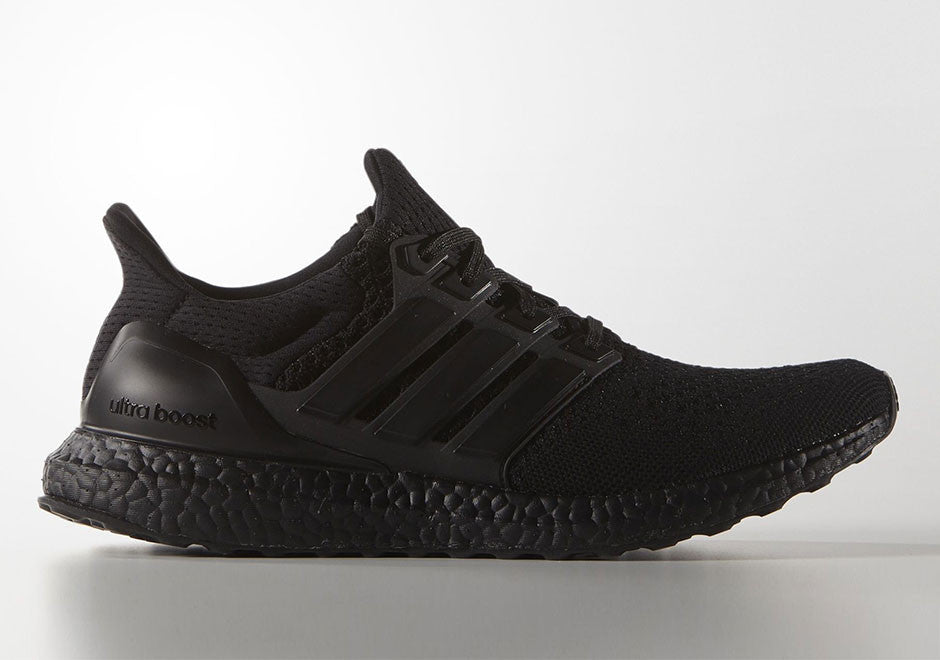 How To Lace Your Sneakers / Swap Your Shoe Laces : ADIDAS Ultra Boost Triple Black