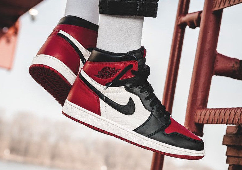 How To Lace Your Sneakers / Swap Your Shoe Laces : NIKE Air Jordan 1 Bred Toe