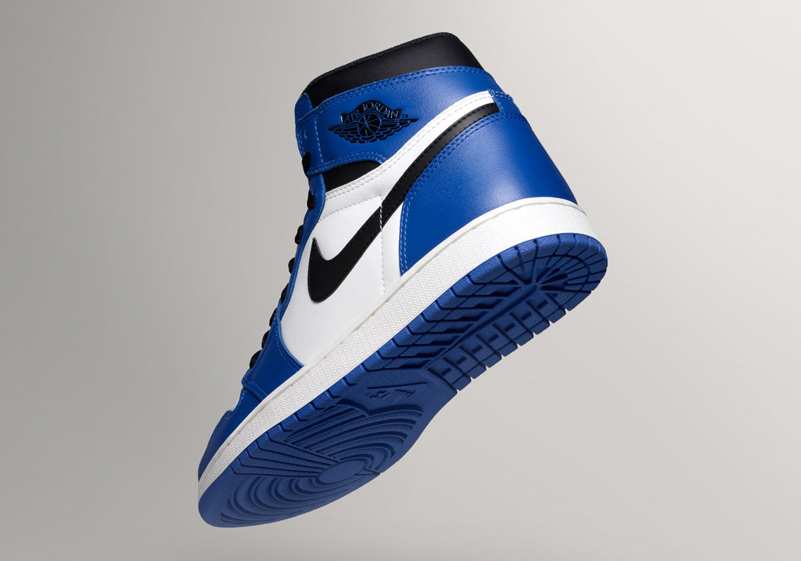 How To Lace Your Sneakers / Swap Your Shoe Laces : NIKE Air Jordan 1 Retro High OG Game Royal