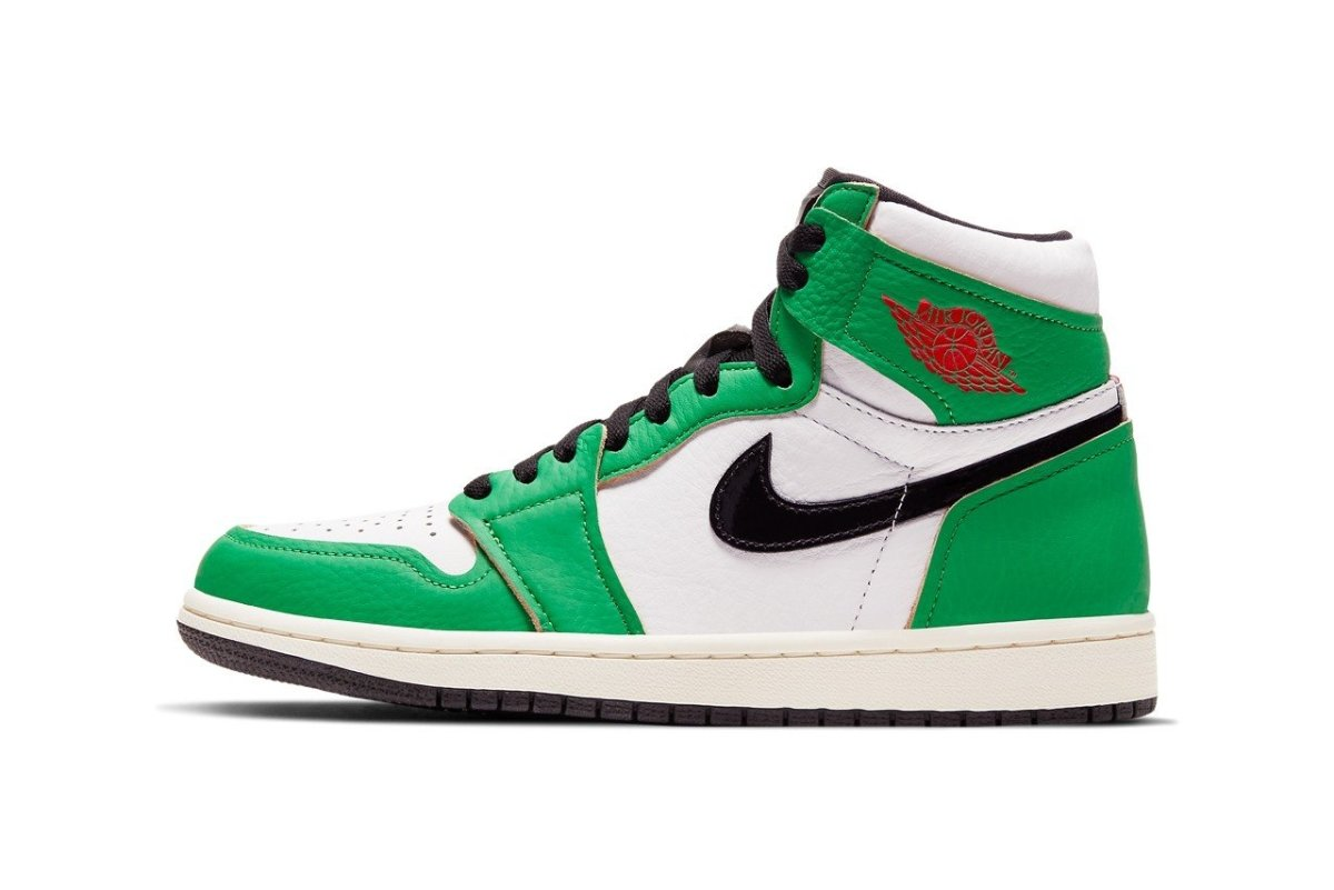 "First look at the Air Jordan 1 ""Lucky Green"" colorway 