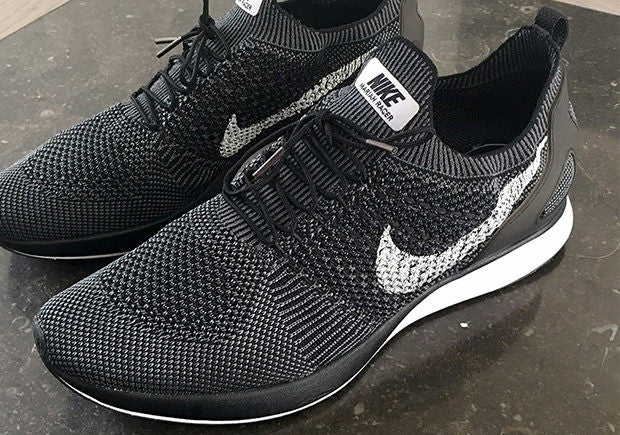 Will the NIKE Mariah Flyknit Racer save NIKE's year? Slickies