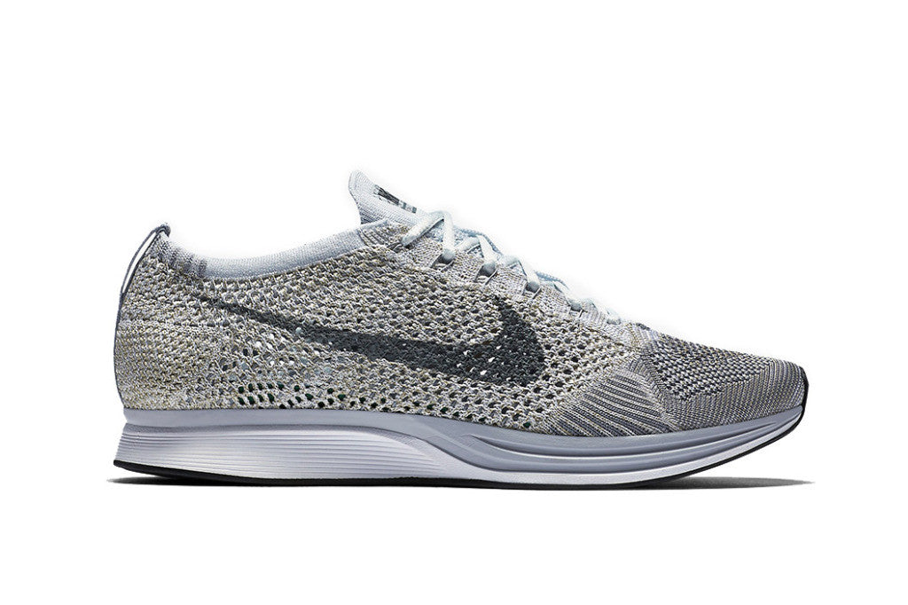 How To Lace Your Sneakers / Swap Your Shoe Laces : NIKE Flyknit Racer Pure Platinum