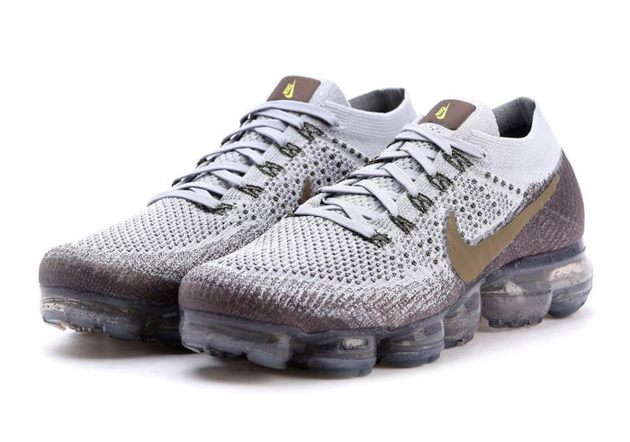 04b06edb8 How To Lace Your Sneakers   Swap Your Shoe Laces   NIKE Vapormax Flyknit  Midnight Fog. December 01