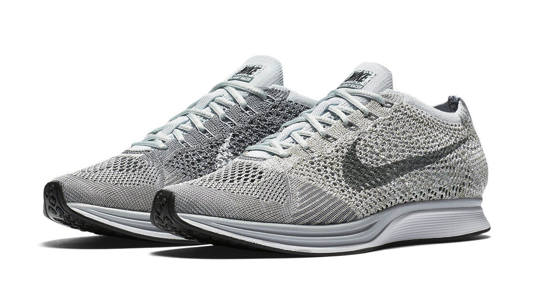 How To Lace Your Sneakers / Swap Your Shoelaces : NIKE Flyknit Racer Pure Platinum
