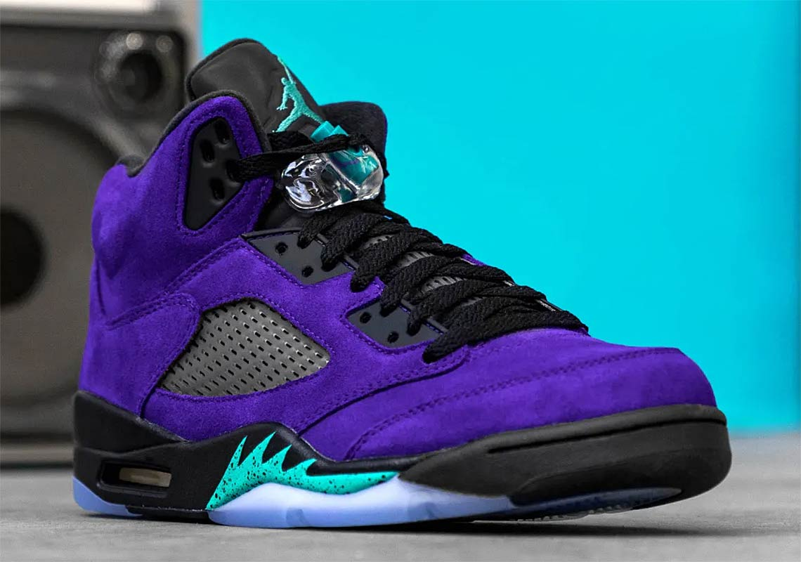 "Where to buy shoe laces for the NIKE Air Jordan 5 ""Alternate Grape""? 