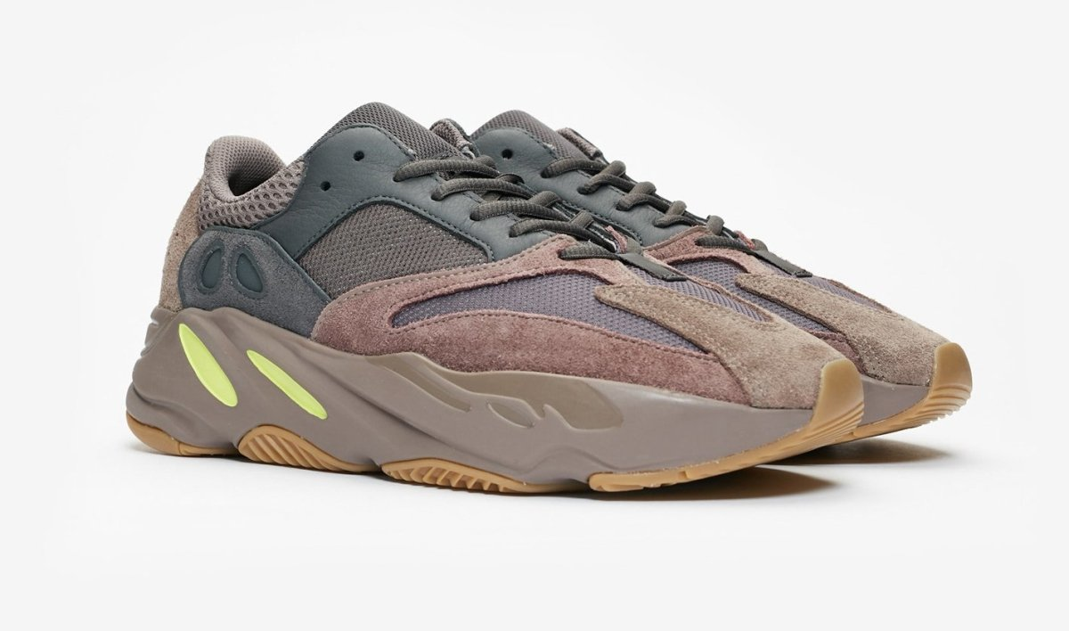 Where to buy shoe laces for the Yeezy 700 Mauve? | Slickies