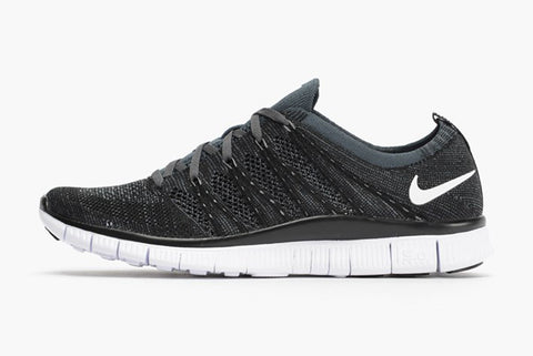 nike flyknit free nsw black white