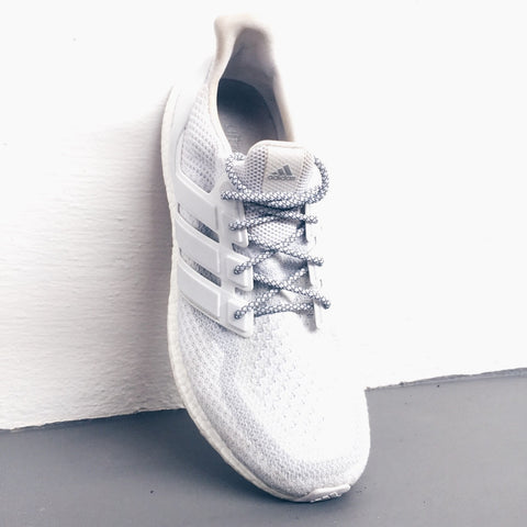 How To Lace Your Sneakers / Swap Your Shoe Laces : ADIDAS Ultra Boost 2.0 Triple White