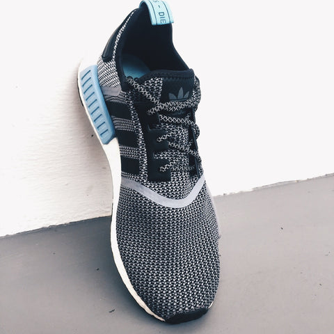 How To Lace Your Sneakers / Swap Your Shoe Laces : ADIDAS NMD R1 Circa Knit Clear Blue