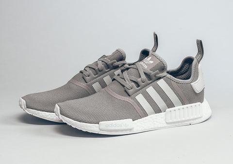 How To Lace Your Sneakers / Swap Your Shoe Laces : ADIDAS NMD R1 ...
