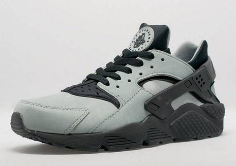 nike air huarache light grey