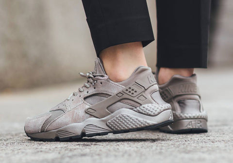74821b8050a4 Shoelace Lace Swap Recommendations - NIKE Air Huarache Irons Womens -  Slickies