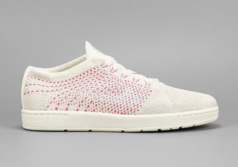 nike tennis classic ultra flyknit white pink