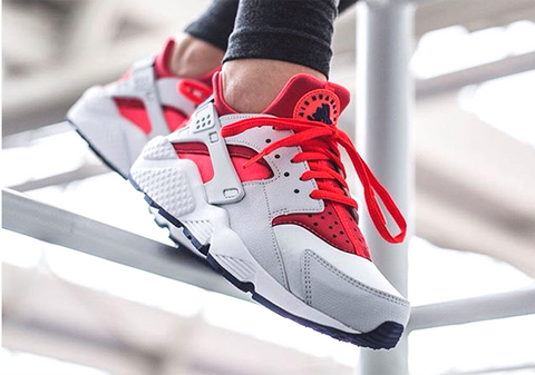 nike air huarache bright crimson pure platinum