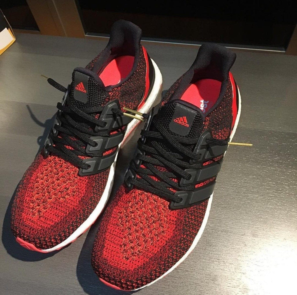 Flat Thin - Ultra Boost BASICS Flat Laces - OG Black With Gold Tips Aglets