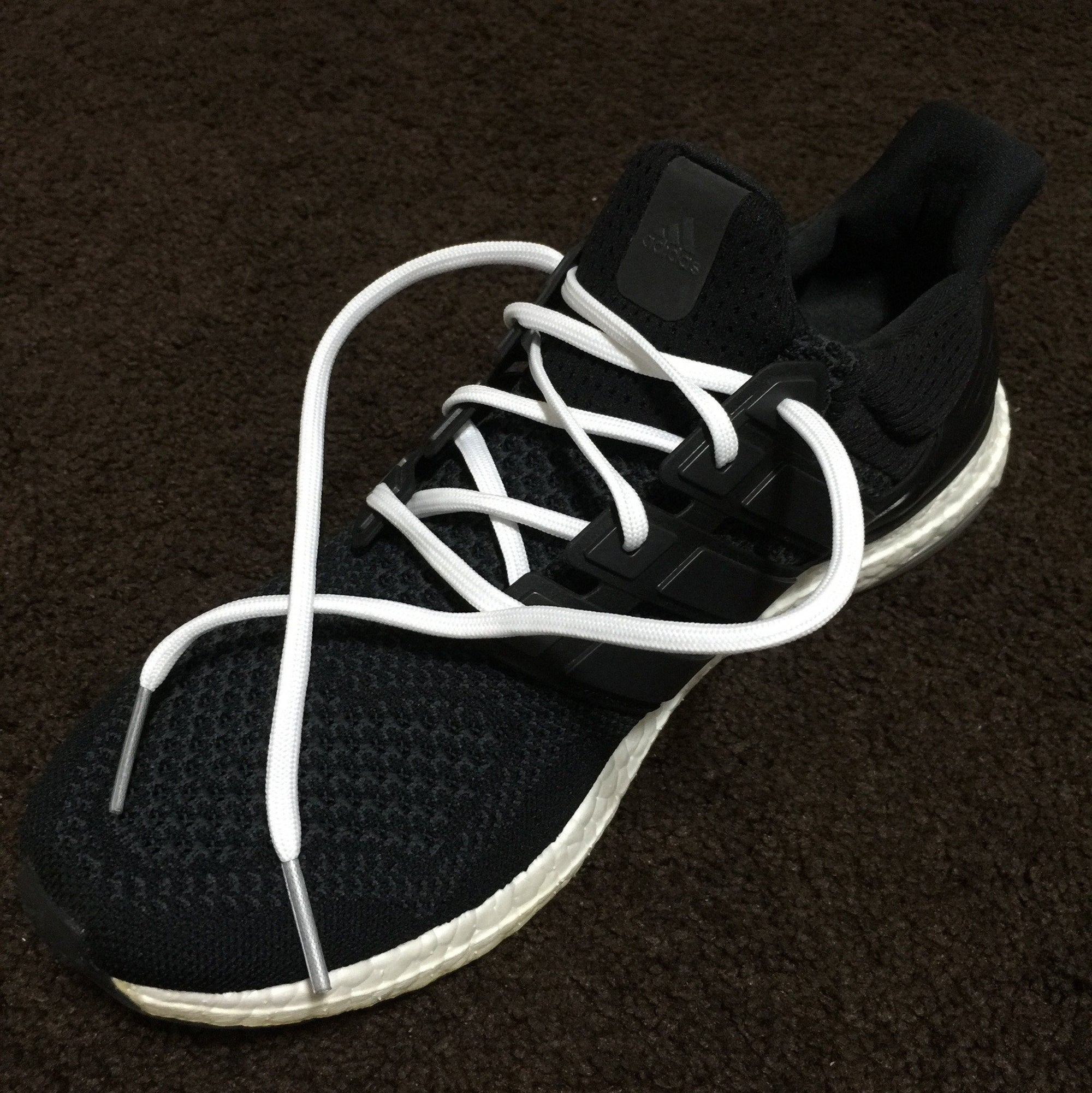 415cda579 Flat Thin - Ultra Boost BASICS Flat Laces - White With Silver Tips