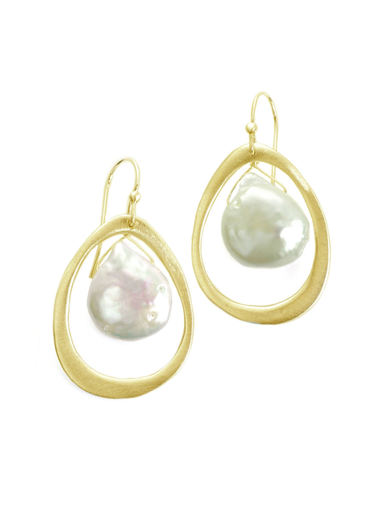 med oval w. pearl. vemeil earrings