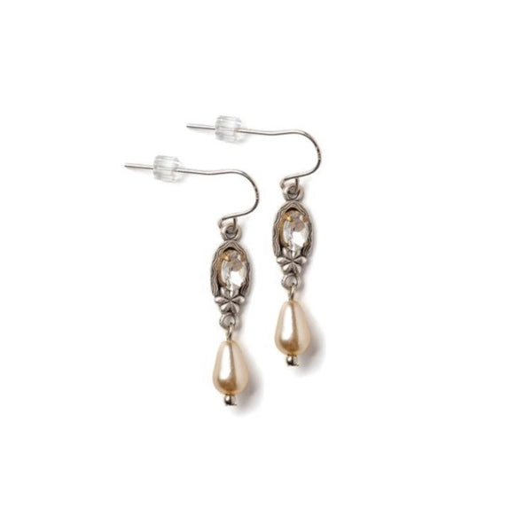 Little Pearl Teardrop Earrings With Rhinestones
