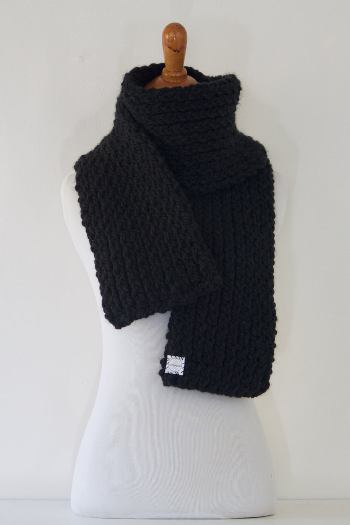 Basic 20 Fade to Black Scarf