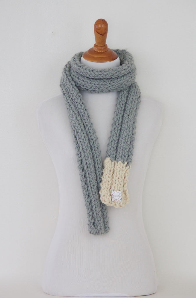 Ribbed 12 Tippy Scarf