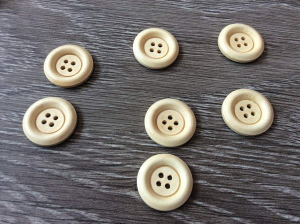 Bouton de bois naturels  2,5cm  /  natural wood button 1''