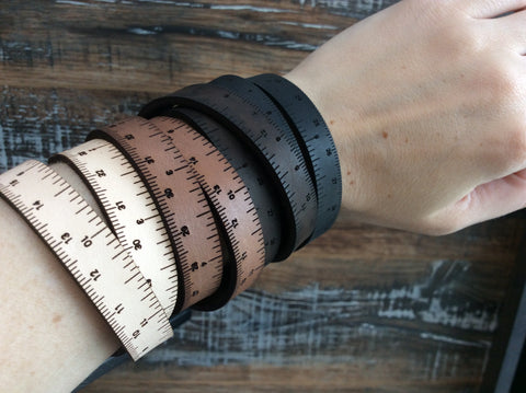 Bracelet règle en cuir / Leather Wrist Ruler