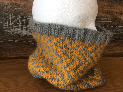 Kit Patons Roving - Chevron Cowl
