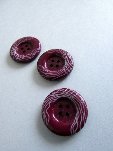 Bouton bourgogne et blanc  2,5cm  /  Burgondy & white button 1''