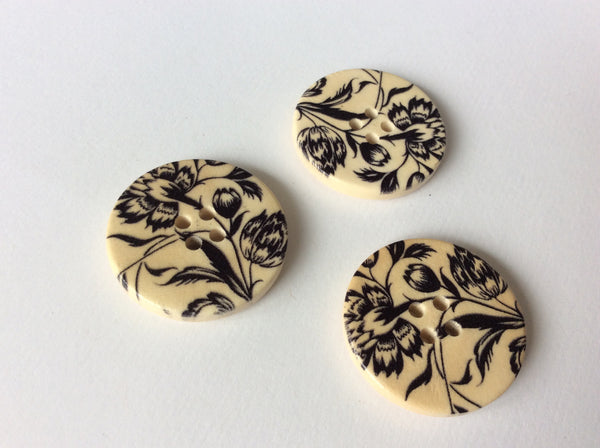 Boutons de bois motif floral 3cm / Wood buttons with flower pattern 1 2/8""