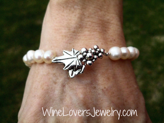 Natural Fresh Water Pearl Bracelet w/ Grape Leaf Clasp