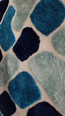 5' X 8'- (BLUE PATCHES SHAG)- AREA RUG